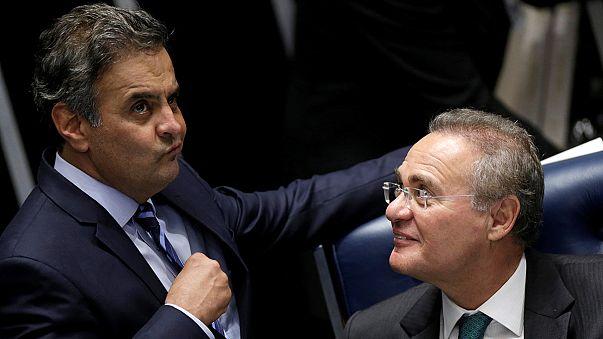Brésil: Manifestations aux abords du Sénat en plein vote sur la destitution