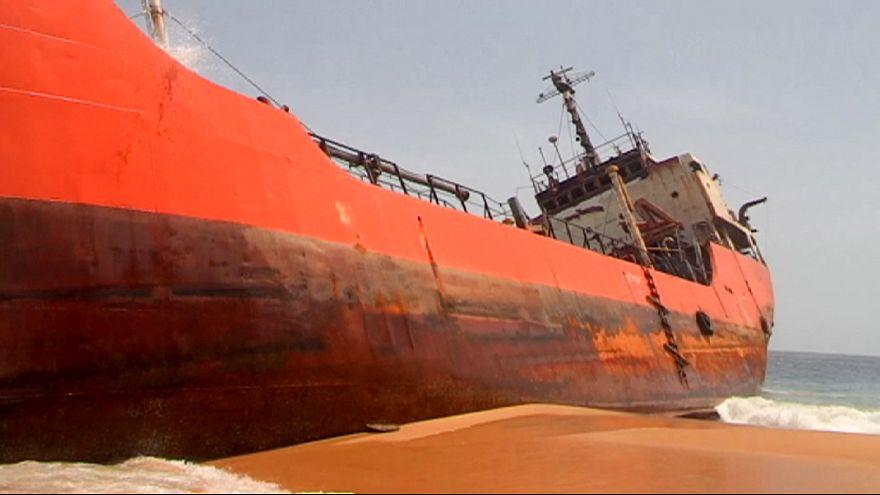Kísértethajó sodródott partra Libériában
