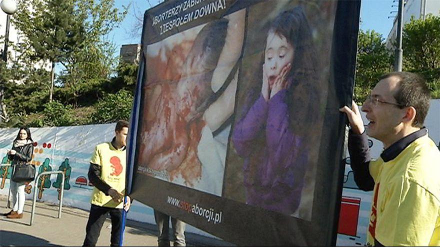 Сохранять или нет? Польское общество расколола дискуссия о запрете абортов