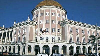 Angola's Dos Santos sacks deputy governors of Central Bank