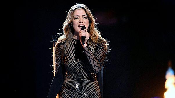 Eurovision : la chanteuse arménienne risque l'exclusion à cause du drapeau du Haut-Karabagh brandi
