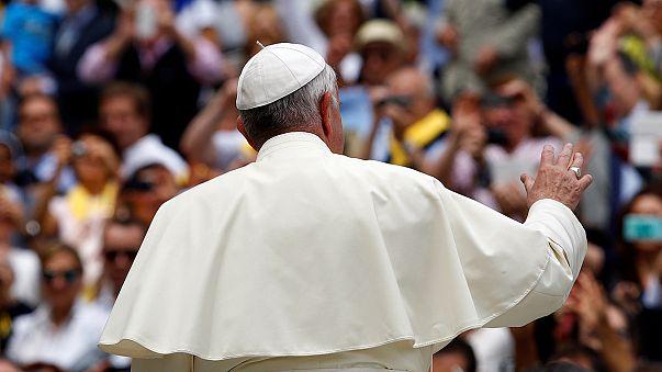 Papa: apertura al diaconato femminile