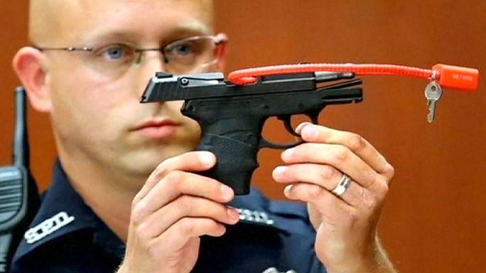 الولايات المتحدة: قاتل برأته المحكمة يعرض مسدسه في مزاد علني