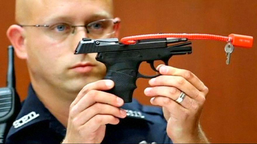 EUA: Homem vai leiloar arma com que matou