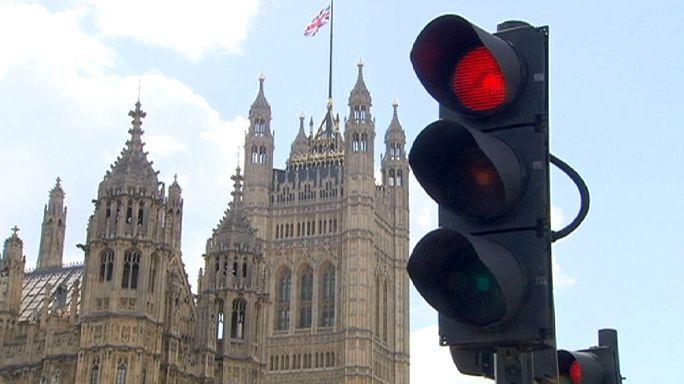 L'allarme della Banca d'Inghilterra: possibile la recessione in caso di Brexit