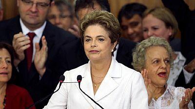 Brésil: Dilma Rousseff dénonce un ''coup d'État''