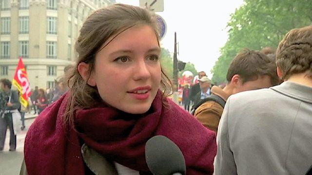 Fransa'da çalışma yasası hükümeti salladı