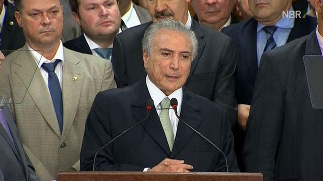 Brasilien: Interimspräsident übernimmt Amtsgeschäfte - Rousseff suspendiert
