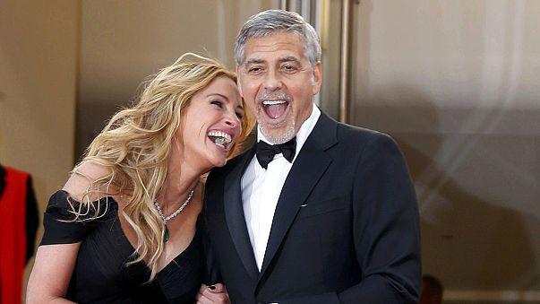Cannes: George Clooney und Julia Roberts nehmen Banken ins Visier
