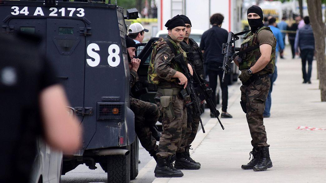 Турция: взрывы в Диярбакыре и Стамбуле