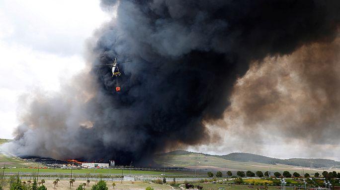 Sprawling tyre dump ablaze in Spain