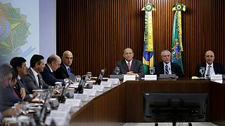 "Brasil: executivo interino promete medidas ""importantes"" para recuperar economia"