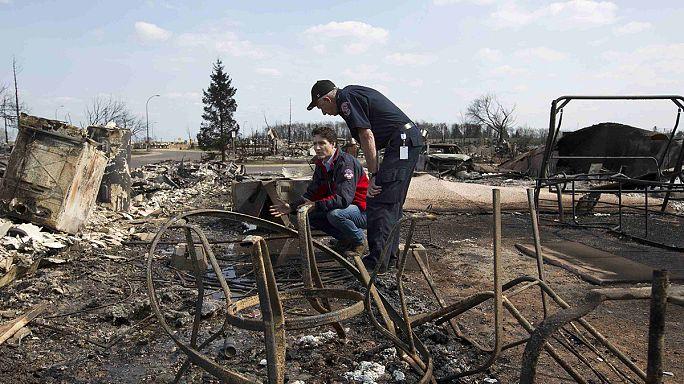 Канада: премьер Трюдо полетал над сгоревшим городом