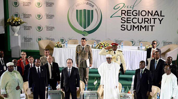 Hollande: össze kell fogni a Boko Haram ellen