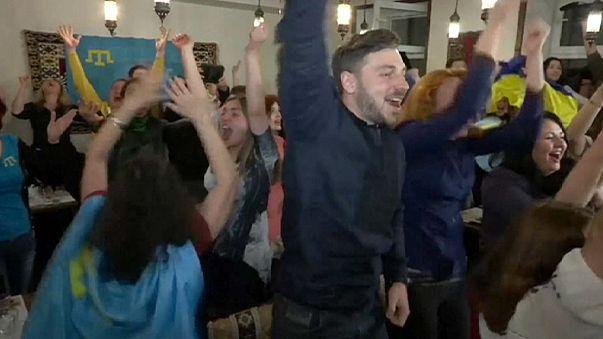 Ukrayna Tatar şarkıcı Jamala ile gelen zaferi kutluyor
