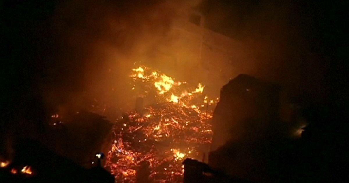 Brasile: incendio a San Paolo, fiamme avvolgono la favela ... - euronews