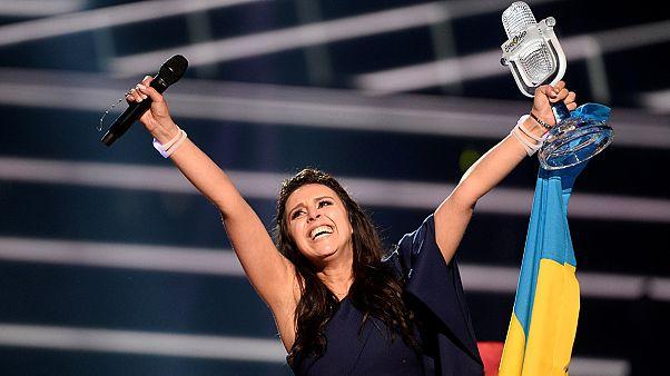 """بعد 12عاما من الفوز الأول، يعود الفوز في مسابقة """"يوروفيجن"""" الأوروبية للغناء إلى أحضان أوكرانيا"""