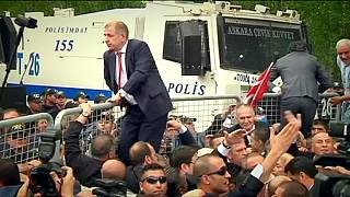 Turkish police block opposition congress