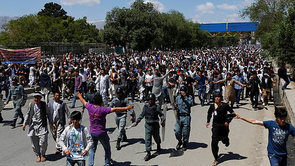 مظاهرات للهزارة في كابول احتجاجاً على حرمانهم من مشروع كهربائي