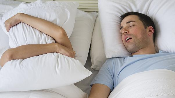 how to stop snoring, what causes snoring, why do people snore