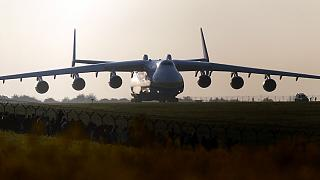 Australia: 15.000 curiosos en el aeropuerto de Perth para ver de cerca el mayor avión del mundo