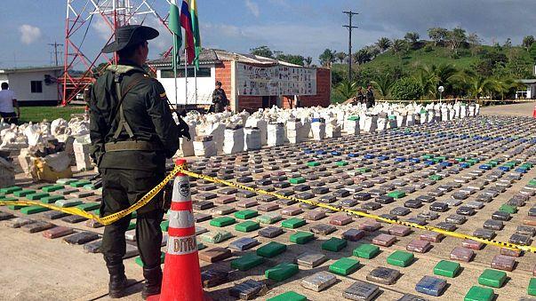 Colombie : 8 tonnes de cocaïne, assez de paquets pour paver un vaste terrain !