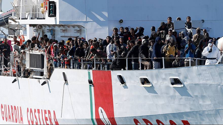 EU slammed for 'lack of vision' in migrant crisis response