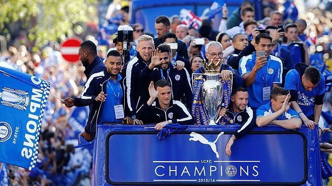 Tout Leicester fête le titre de champion d'Angleterre