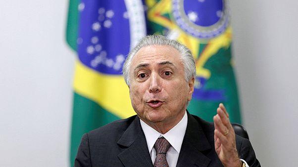 A szakszervezetekkel egyezkedik az ideiglenes brazil elnök