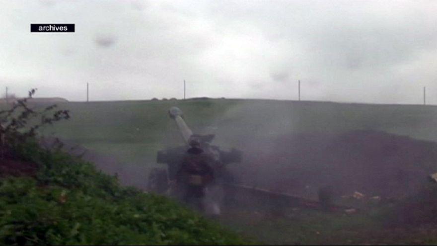 Diplomacia internacional tenta repôr a trégua em Nagorno-Karabakh