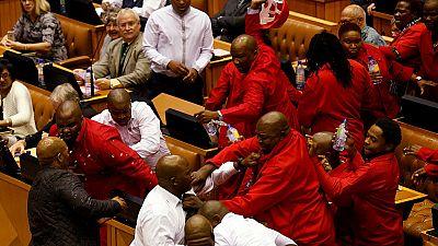 Afrique du Sud: une bagarre en pleine session parlementaire