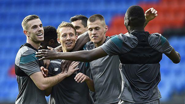 Sevilha e Liverpool em busca de troféu... e de milhões