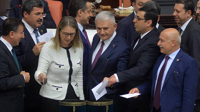 Turkey's AKP wins initial support over controversial immunity bill