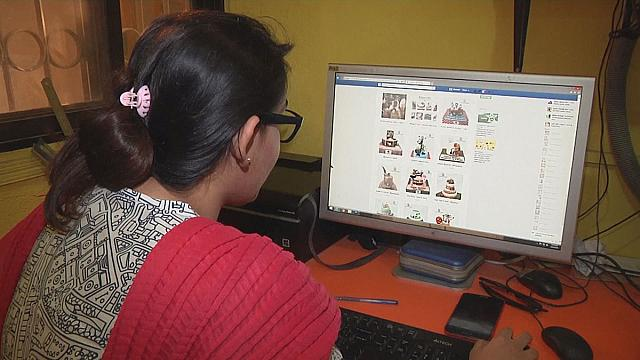 Comércio electrónico cativa mulheres paquistanesas