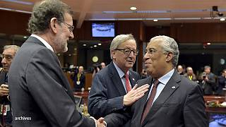 Брюссель отсрочил наказание Мадрида и Лиссабона за дефицит