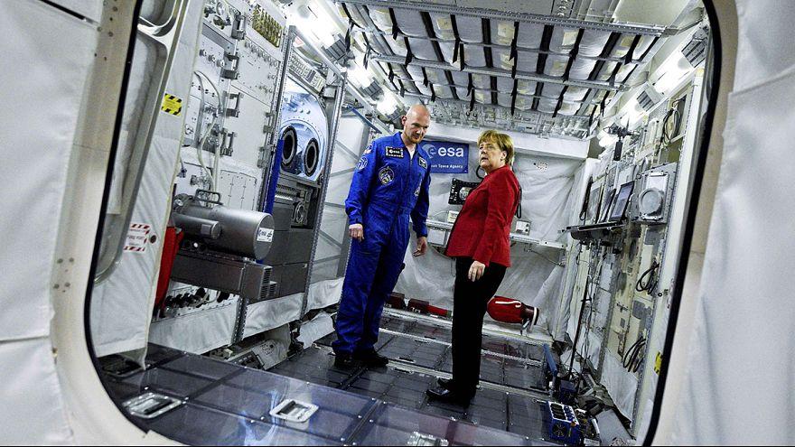 Merkel ratifica su apoyo a la colaboración internacional en misiones tripuladas espaciales