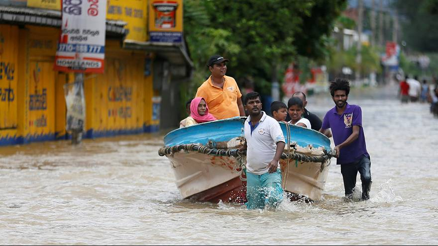 الفيضانات تودي بحياة المئات في سريلانكا