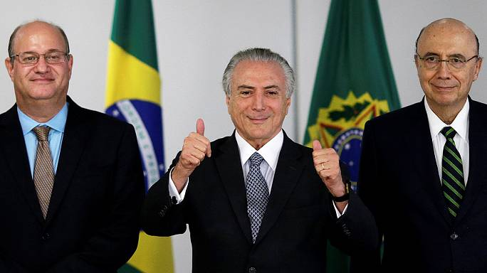 أزمة البرازيل الاقتصادية التحدي هي الاكبر للرئيس المؤقت و وران بافيت يقرر مواكبة العصر