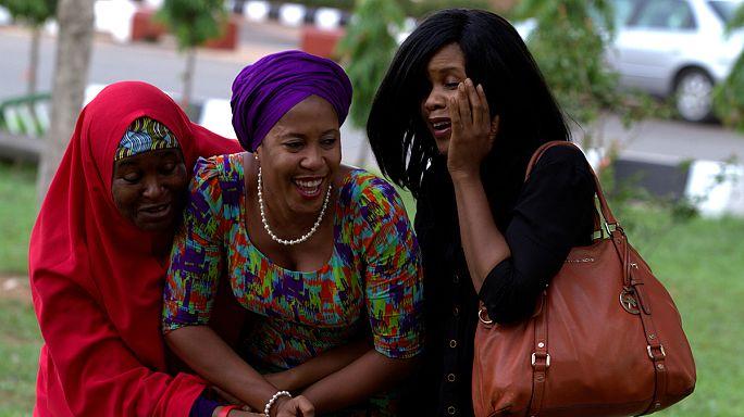Boko Haram'ın kaçırdığı kız öğrencilerden Amina ailesine kavuştu