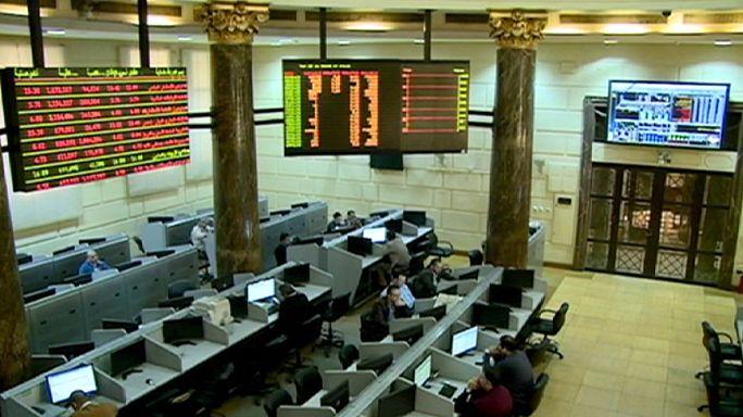 Bolsa do Cairo e setor dos trasportes e lazer em queda ne Europa