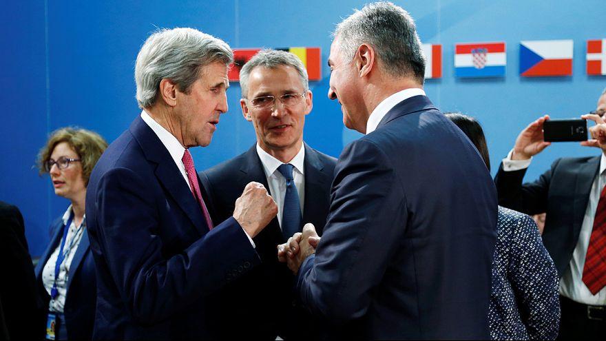 وزراء خارجية حلف شمال الأطلسي يجتمعون في بروكسل لتحضير أعمال قمة فرصوفيا المقررة في تموز يوليو 2016