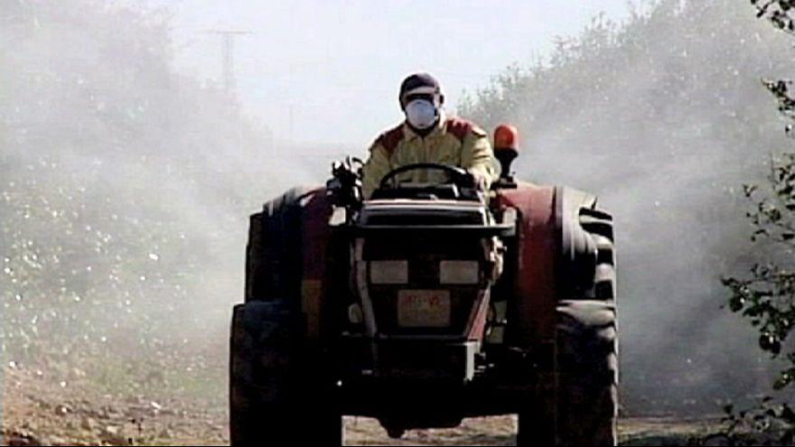 تأجيل البت بموضوع السماح باستخدام مبيدات الأعشاب من صننف الغليفوزات.