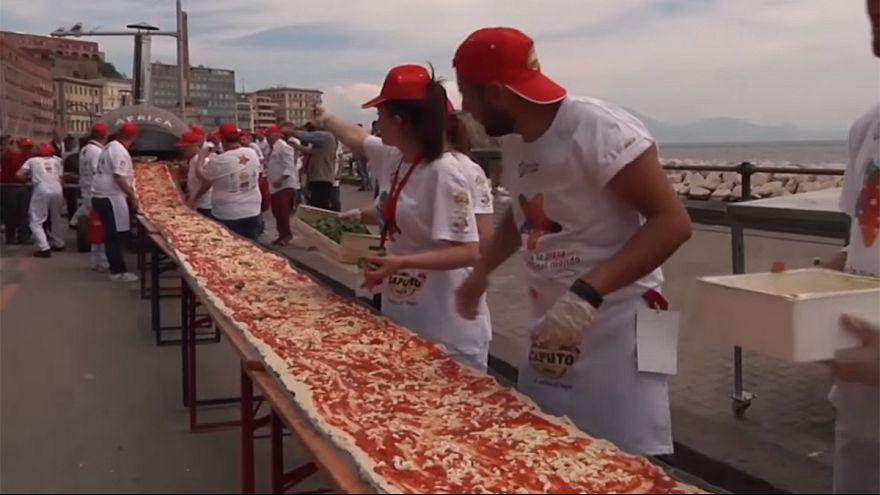 Une pizza de 1,8 km, record du monde!