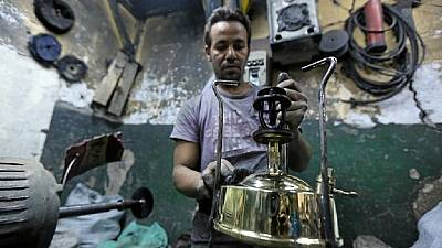 Egypte : fabrication de fourneaux traditionnels