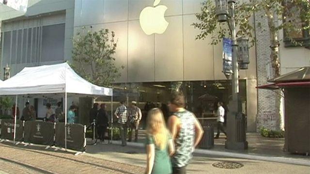 Apple Store меняет интерьер