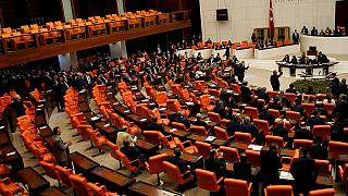 Τουρκία: «Ναι» στην άρση της βουλευτικής ασυλίας από την Εθνοσυνέλευση