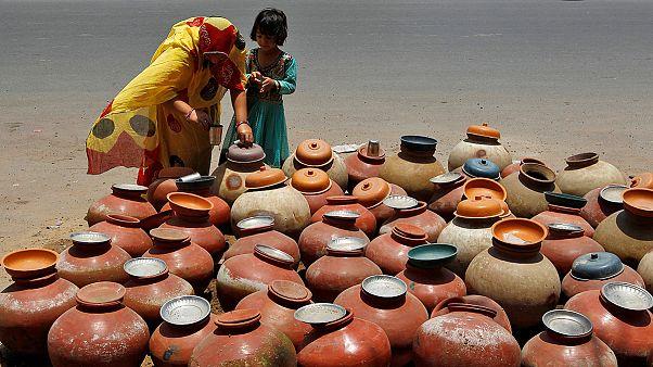 Sufren 51 grados en la ciudad india de Phalodi, Rajastán