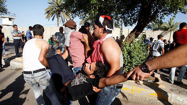 Lőttek a zöld zónába benyomuló tüntetőkre Bagdadban
