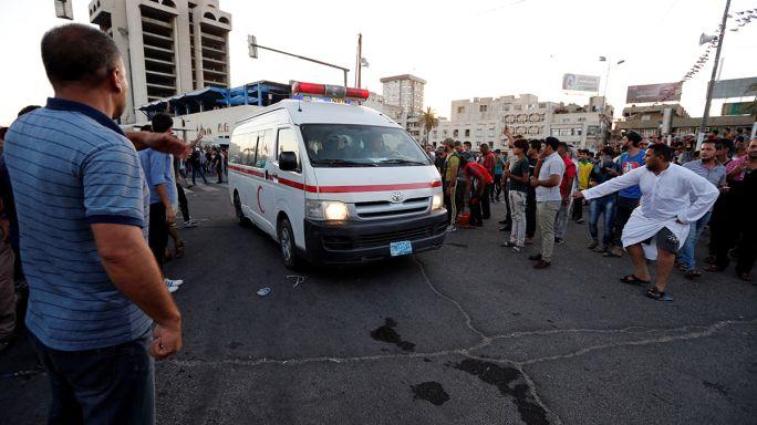 """العراق: أنصار مقتدى الصدر يتظاهرون ورئيس الوزراء يصرح:"""" لا تهاون مع مرتكبي الشغب"""""""