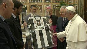 البابا فرانسيس يشجع اللاعبين الإيطاليين على الإمتثال للقيم الأخلاقية